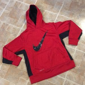 Nike Therma Fit hoodie size kids boys large